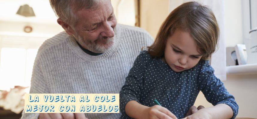 Abuelo pintando con nieta
